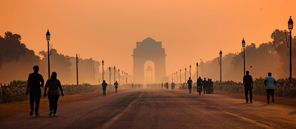Image of New Delhi, the capital city of India covered in a thick layer of toxic smoke and pollution.
