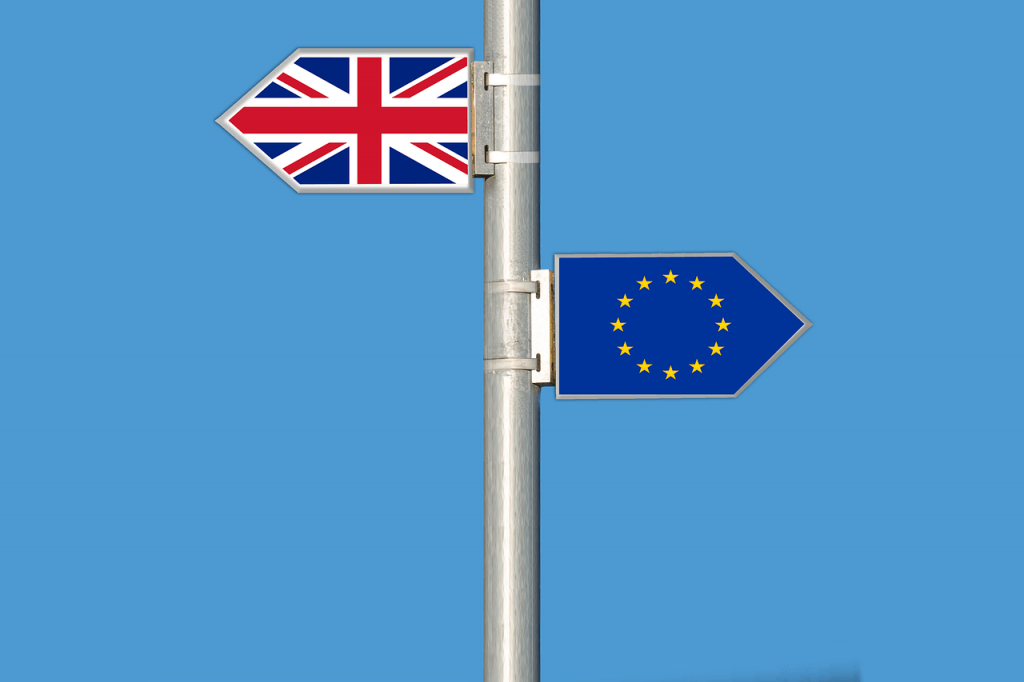 An abstract image of two arrows depicting Britain and the European Union pointed in opposite directions